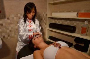 Čínska kosmetická masáž a vyhladzovanie tváre