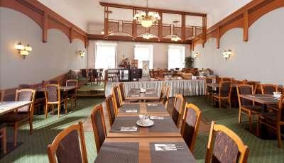 Snídaňová restaurace s terasou