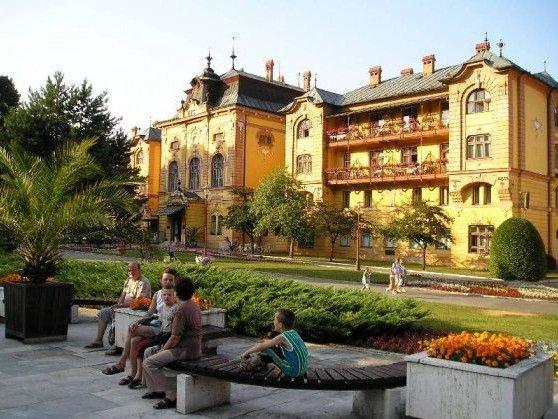 Hotel Astória**/***