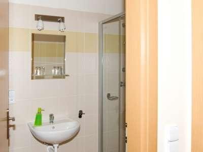 Koupelna v hotelu Skiland Ostružná