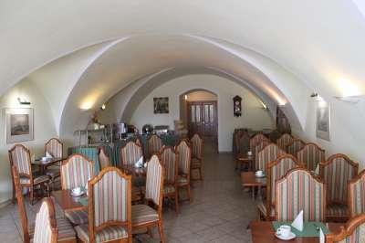 Snídaňová restaurace v hotelu