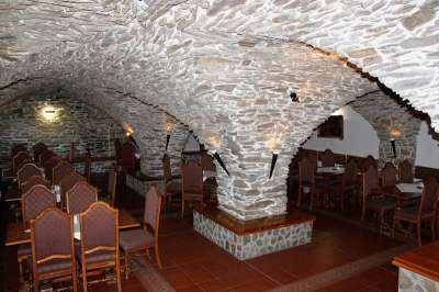 Vinárna v hotelu