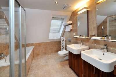Koupelna - čtyrlůžkový pokoj