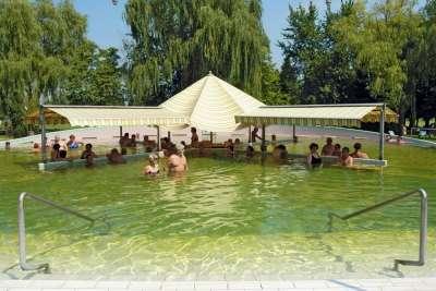 Vnější termální bazén