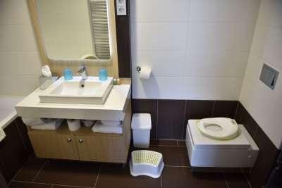 Rodinný pokoj - koupelna