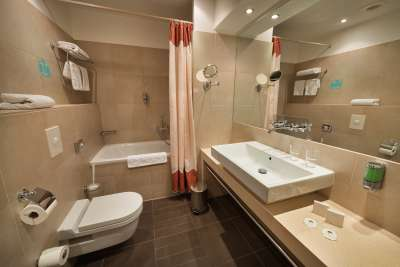 Koupelna ve dvoulůžkovém pokoji