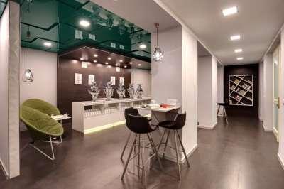 Tea lounge room