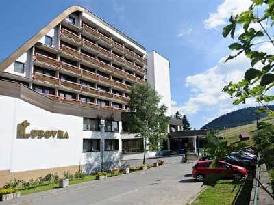 HOTEL ĽUBOVŇA foto