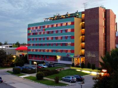 HOTEL PANON foto