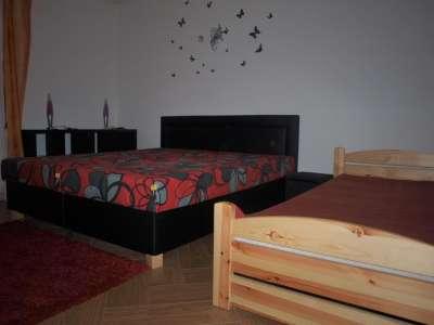 První třílůžková ložnice