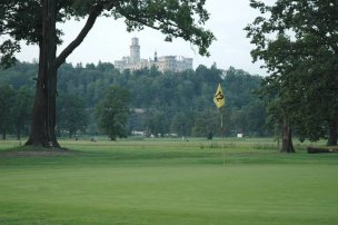 Golf 500 m od hotelu